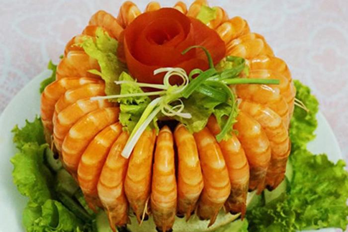 cách trang trí đĩa tôm đẹp với món tôm hấp nước dừa