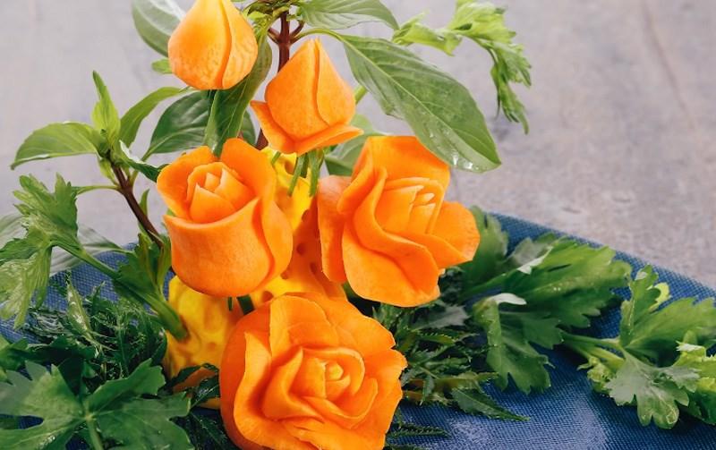 Hoa hồng tỉa từ cà rốt tạo hình 4D