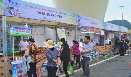 Gian hàng ẩm thực giới thiệu sản phẩm mới tại TPHCM
