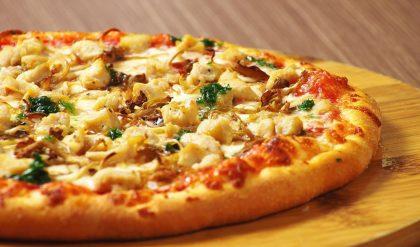 Cách Nướng bánh Pizza bằng nồi chiên không dầu