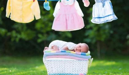 nên giặt đồ cho trẻ sơ sinh bằng gì