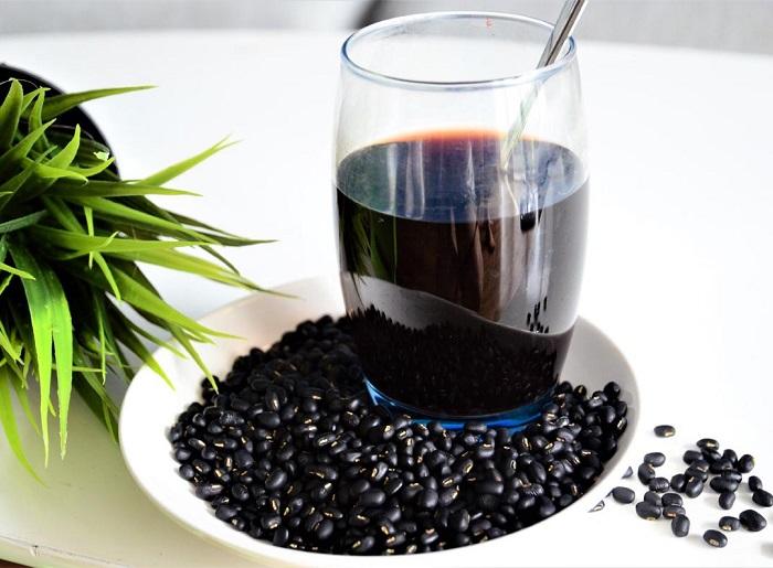 Sử dụng nước đậu đen hàng ngày giúp giảm cân
