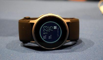 đồng hồ đo huyết áp đeo tay Omron