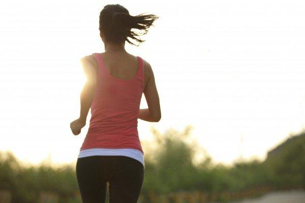 Chạy bộ buổi sáng giúp máu huyết lưu thông và đốt cháy mỡ thừa nhanh chóng